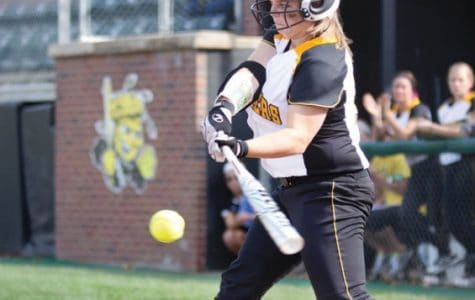 Softball team optimistic despite losses in fall