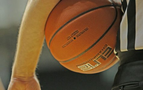 Harden's career night carries Shockers to win on snowy Thursday