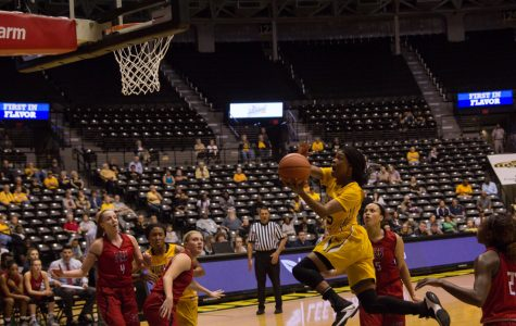 Women's basketball returns experienced from rebuilding season