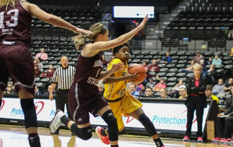 Bears break Shockers' five-game streak
