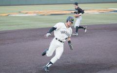 Baseball sweeps Utah Valley, starts season 3-0