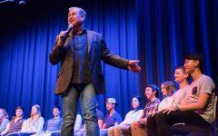 Hypnotist 'convinces' audience of good show