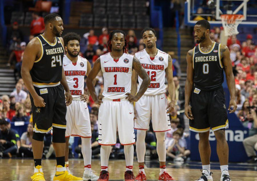 The+Redbirds+stand+back+and+watch+Wichita+State+shoot+free+throws+late+in+the+game.