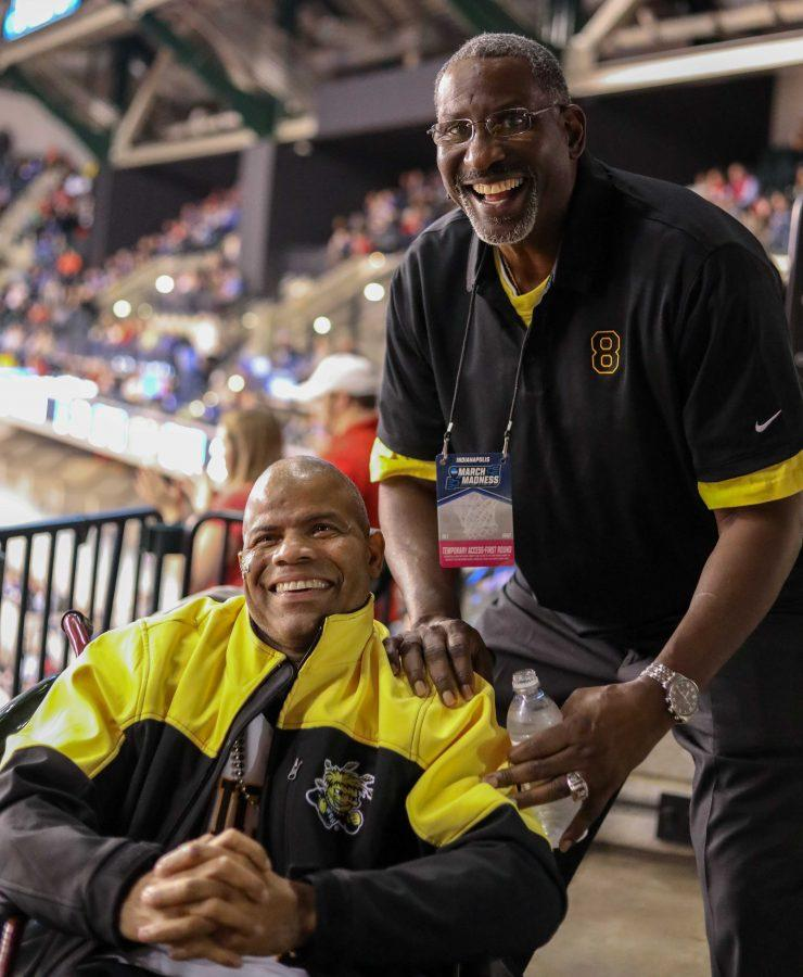Cliff+Levingston+poses+for+a+photo+with+long+time+fan+Darren+Thomas.+Levingston+played+basketball+for+Wichita+State+from+1979-1982++before+being+drafted+by+the+Detroit+Pistons+in+1982.