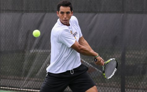 Men's tennis goes one-for-two in doubleheader