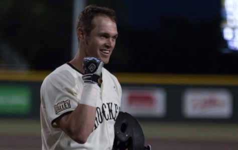 PHOTOS: Shockers ground Golden Eagles in extra inning