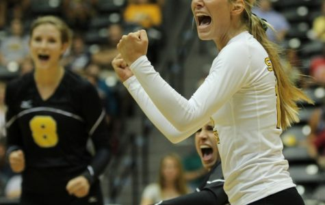 Volleyball defeats Sooners in Norman