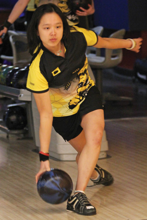 women bowlers ready to reclaim top spot the sunflower