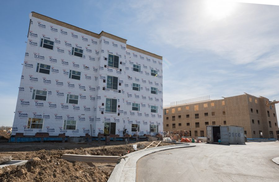 Construction+of+the+new+Flats+at+WSU+continues+on+Feb.+10%2C+2017.+The+new+apartments%2C+located+on+campus%2C+will+start+at+%24939+for+a+one+bedroom.