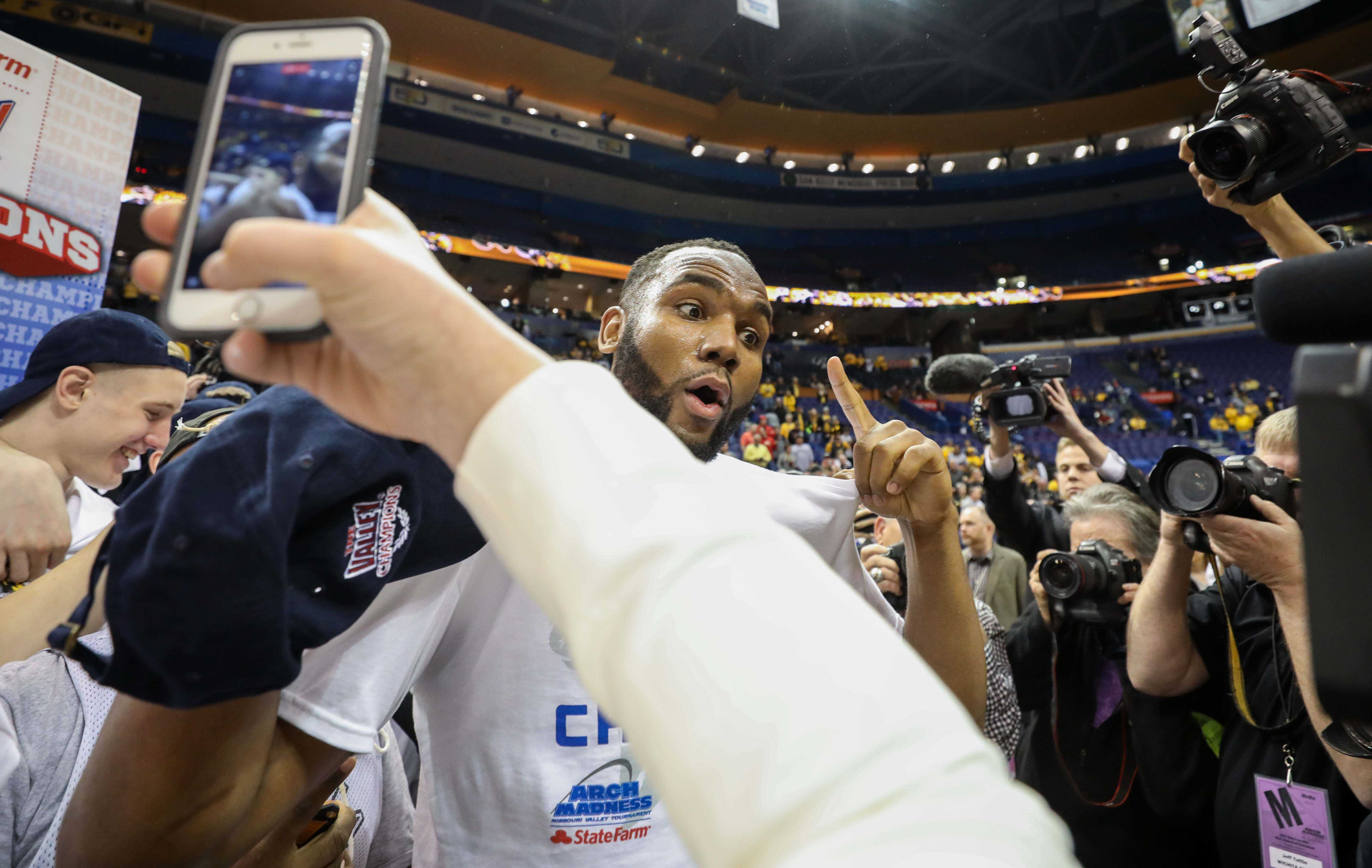 Wichita State's Shaquille Morris (24) gives the camera some love.
