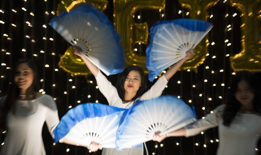 Vietnamese+Student+Association+performs+the+Fan+Dance+during+the+Malaysian+Night+held+in+Beggs+Ballroom.+%28April+22%2C+2017%29