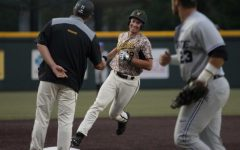 Ritter's walk-off brings Shockers win in home finale