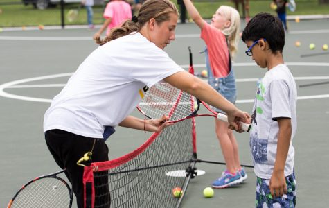 Shocker Women's Tennis gives back to Fairmount community