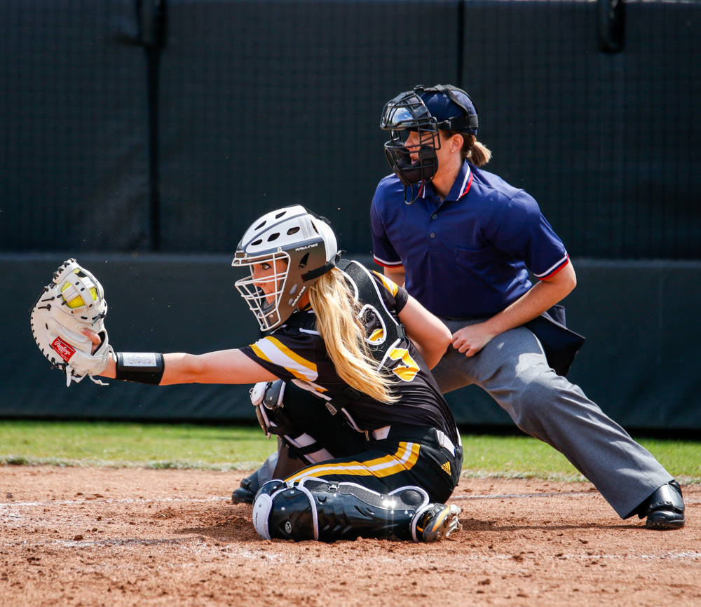Wichita+State%27s+Ashton+Esparza+%2814%29+catches+during+the+game+Saturday+afternoon+at+Wilkins+Stadium.+%28Sept.+16%2C+2017%29