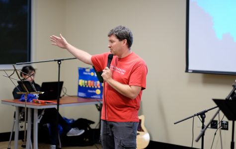 Student group brings non-denominational sermons