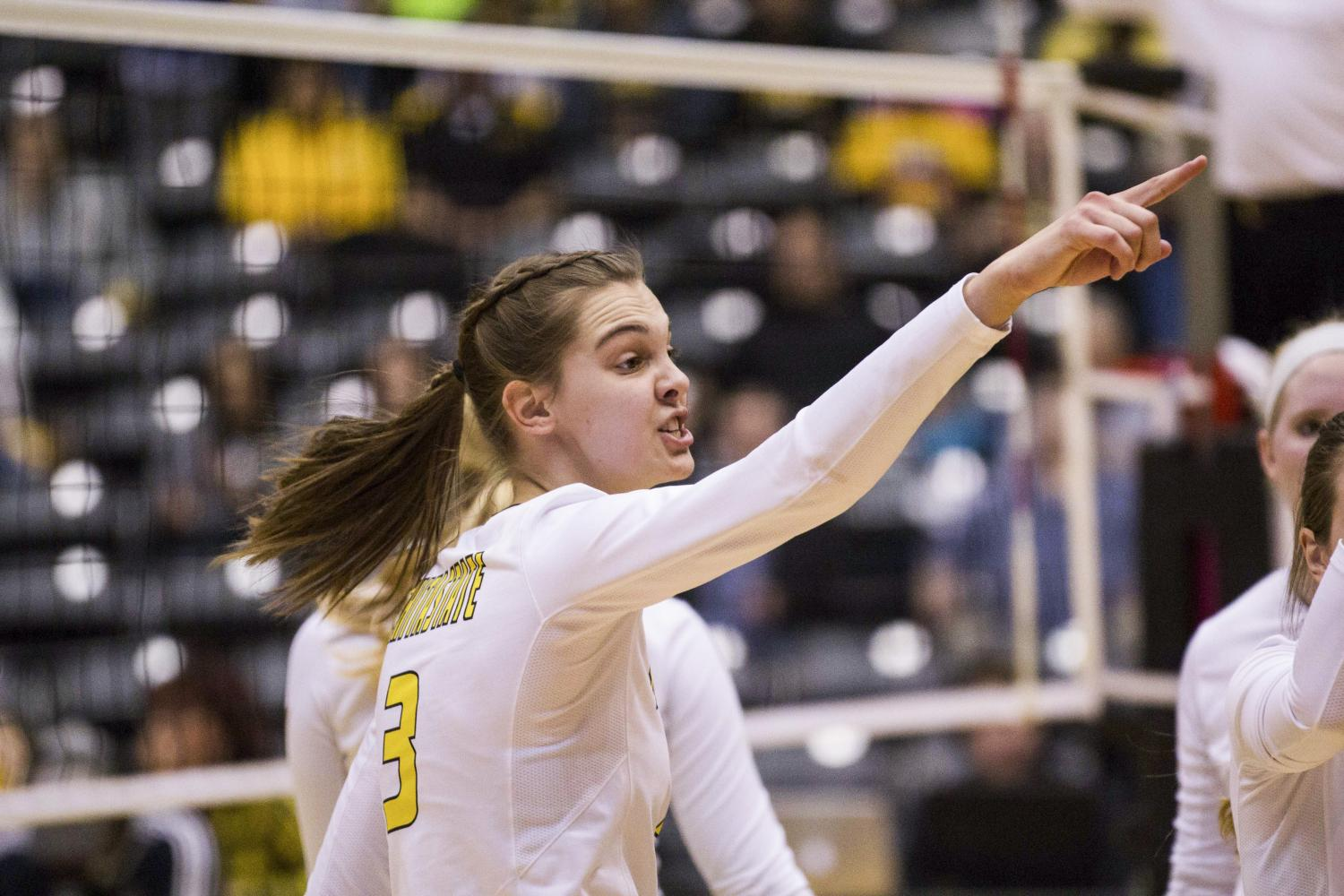 Shocker Volleyball drops two straight at the Nike Classic