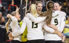 Volleyball remains undefeated in AAC, earns 20th win of the season