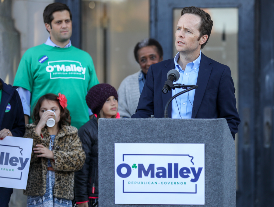 Kansas Gubernatorial candidate Ed O'Malley gives his official announcement speech in front of Union Station in downtown Wichita. (Oct. 10, 2017)