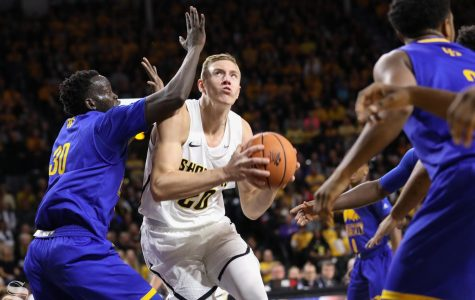 Shockers rock Roundhouse in season opener with 52-point win over UMKC