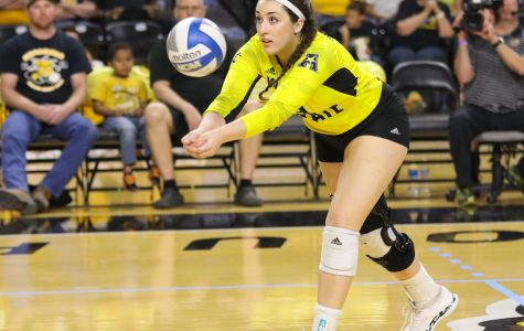 Volleyball prepares for No. 1 Stanford
