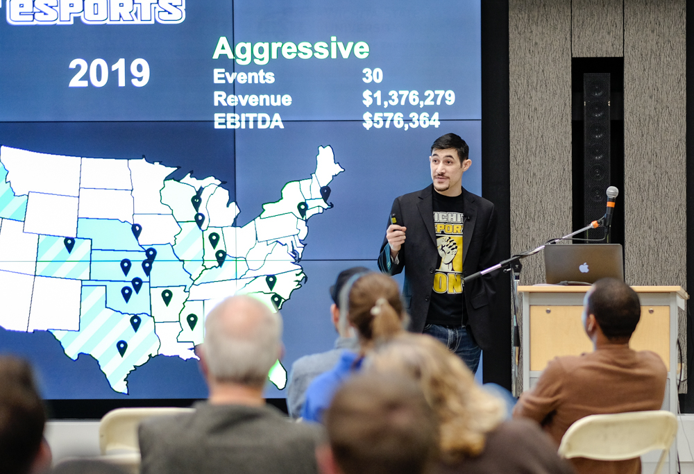Ramsey Jamoul, WSU alumnus and founder of Midwest eSports, presents his startup business on Demo Day.