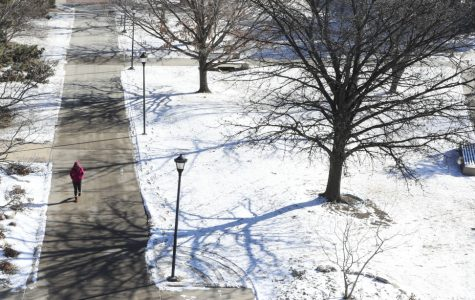 Funschelle: Don't leave it to commuter students to have to make a judgment call on inclement weather