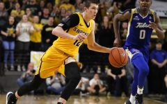 22 schools have reportedly contacted Wichita State release Austin Reaves