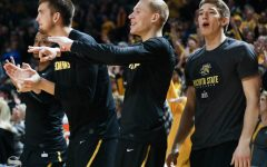 Shockers looking to extend nation's longest road win streak Saturday