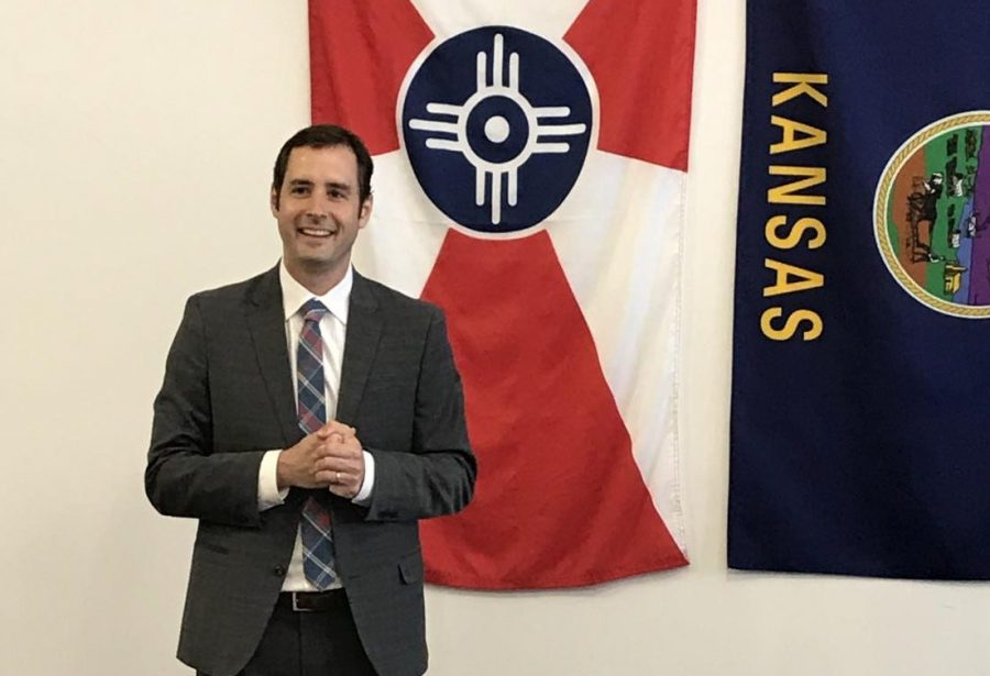 Democratic+gubernatorial+candidate+Josh+Svaty+speaks+to+supporters+Thursday+at+Reverie+Coffee+Roasters.
