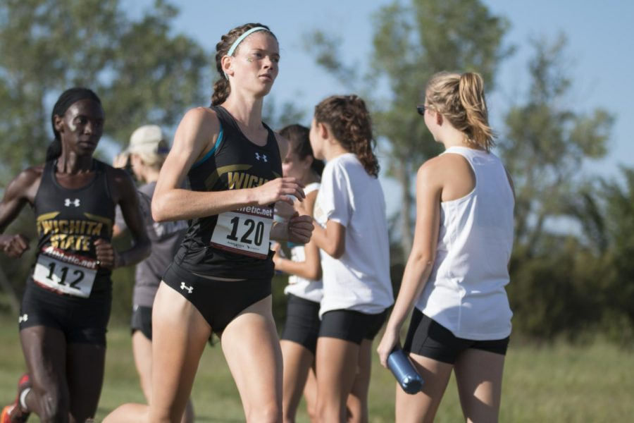 Wichita+State%27s+Rebekah+Topham+competes+in+the+Women%27s+4000+M+during+the+J.K.+Gold+Classic%2C+Saturday%2C+Sept.+1%2C+2018.