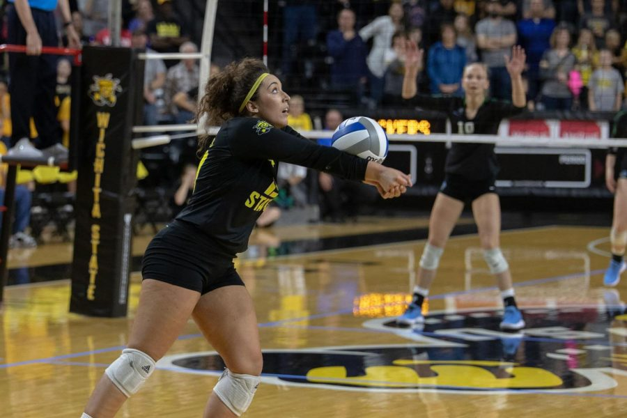 Wichia+State%27s+Giorgia+Civita+digs+the+ball+during+their+game+against+Tulane+on+Sept.+21%2C+2018+at+Koch+Arena.+