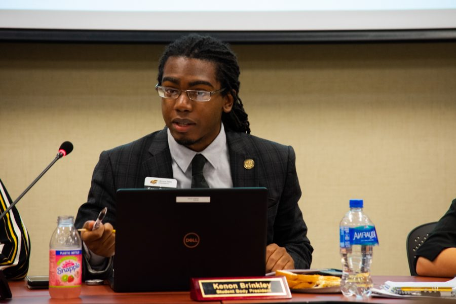 Student Body President Kenon Brinkley addresses the Student Senate at a Student Government meeting.