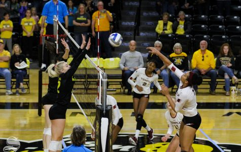 Shockers find blocking, winning rotations with two weekend victories