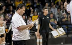 Shockers end season with loss, losing record