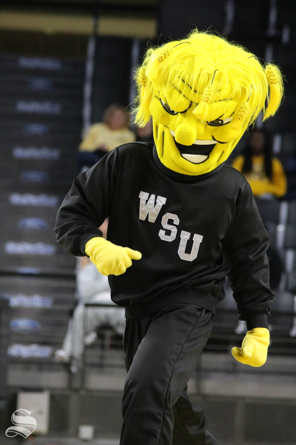 WuShock+getting+down+during++the+exhibition+game+against+Missouri+Southern+State+on+November+1.