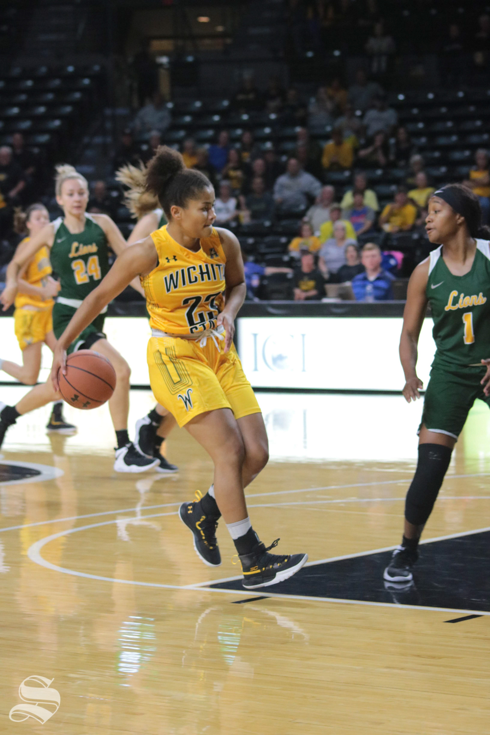 Seraphine+Bastin+dribbles+the+ball+during++the+exhibition+game+against+Missouri+Southern+State+on+November+1.