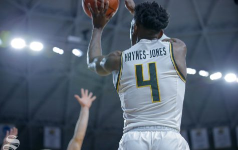 Haynes-Jones sinks five first-half threes in first career double-double