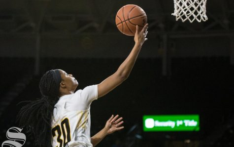 Women's basketball misses return flight to Wichita