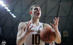 'I'm not afraid of you' comment earns Stevenson a technical foul as Cincinnati handles Wichita State
