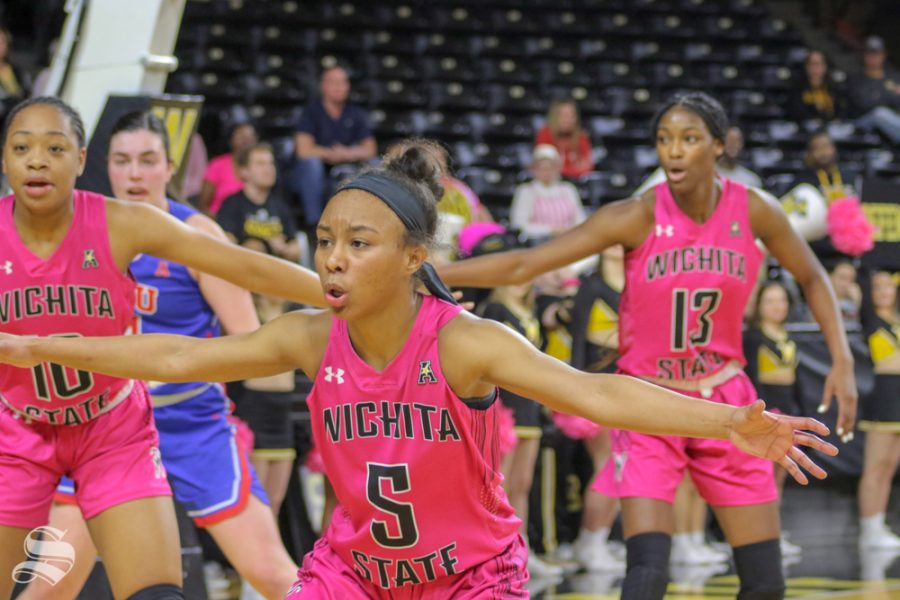 Wichita+State+gaurd+Ashley+Reid+defends+the+ball+against+SMU+on+feb+17+at+Charles+Koch+Arena.+%28photo+by+Austin+Shaw%2FThe+Sunflower.%29