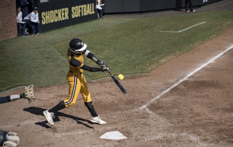 PHOTOS: Shockers split doubleheader