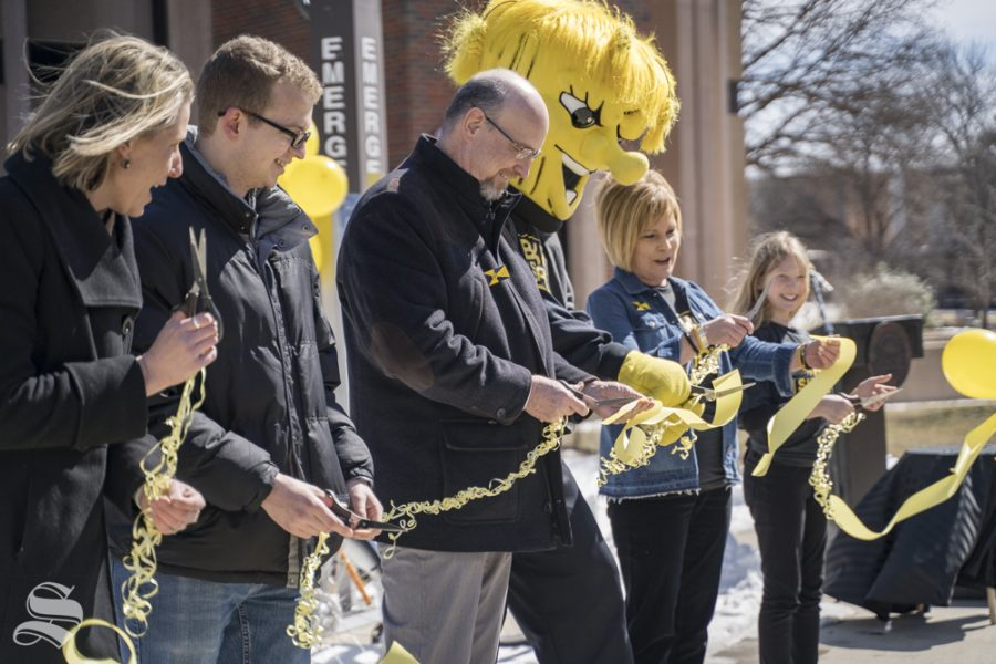Wichita+Mayor+Jeff+Longwell+cuts+the+riibbon+at+WSU+Bike+Share+opening+ceremony.+The+event+was+held+Wednesday+in+front+of+the+Rhatigan+Student+Center.