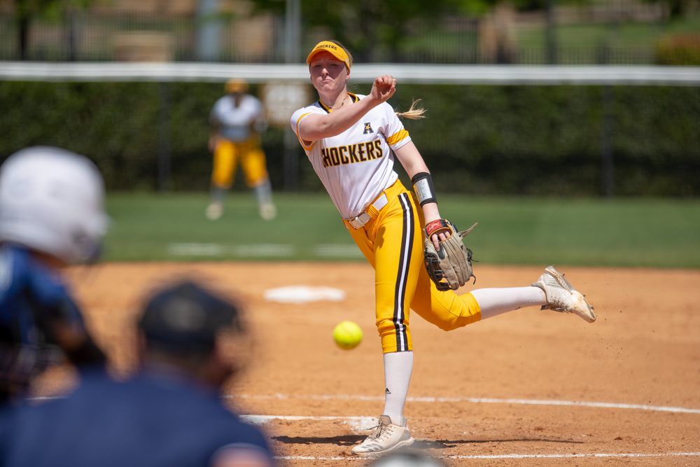 Wichita+State+sophomore+Caitlin+Bingham+throws+a+strike+during+the+game+against+Tulsa+on+April+27%2C+2019+at+Collins+Family+Softball+Complex+in+Tulsa%2C+Oklahoma.+%28Photo+by+Joseph+Barringhaus%2FThe+Sunflower%29.