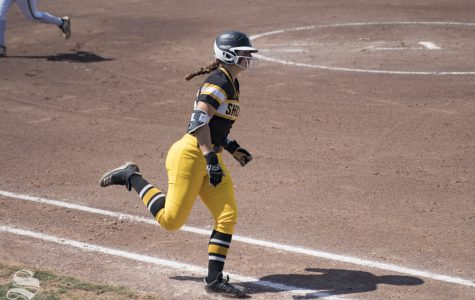 Softball locks No. 4 seed in AAC Conference Championship