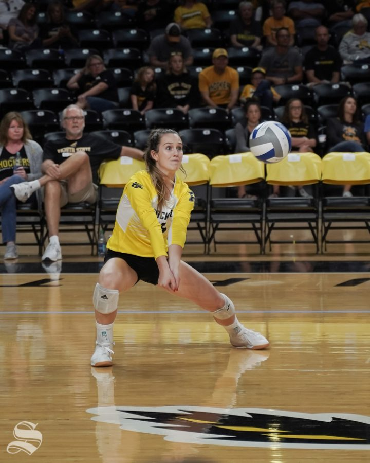 Wichita+State+senior+Kara+Bown+digs+the+ball+during+the+game+against+Cincinnati+on+September+29%2C+2019+at+Koch+Arena.