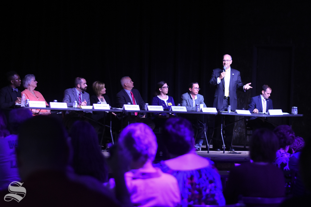 Mayoral candidate Jeff Longwell speaks at the fine arts forum at The Wave on October 1.