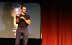 Nyle DiMarco inspires the deaf and hearing alike during 'Living Out Loud'