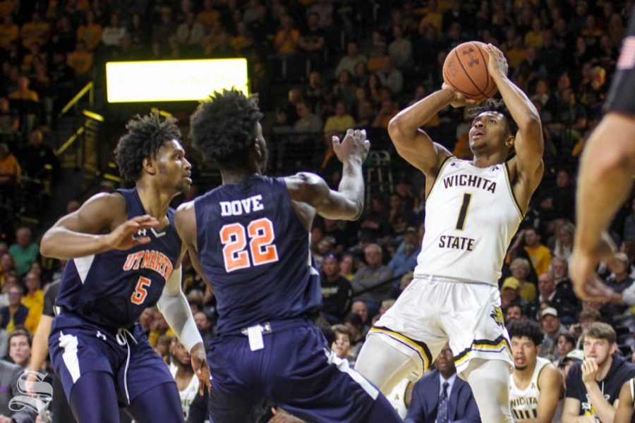 Shockers blow out Skyhawks, crack 100 to move to 3-0