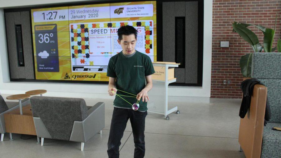 Julian+Chee+shows+off+the+yo-yo+skills+that+won+him+the+2017+and+2018+Malaysian+Yo-Yo+Championship.