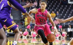 WSU women snap 3-game losing streak with a tight victory over East Carolina